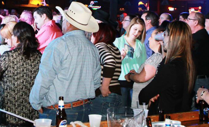 Bars That Rock: Where to Grab a Drink and Enjoy Live Music i