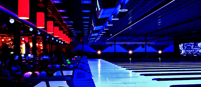 Restaurant Bar In Philly With  Bowling Lanes
