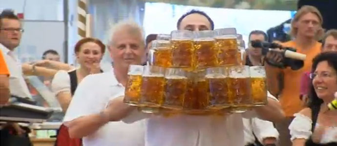 Germany's Oliver Struempfel Sets New World Beer-Carrying Record